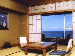 *全てのお部屋から、雄大な日本海を一望することができます。