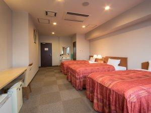 *【客室一例/トリプル】3名までベッドでお休みいただけます。