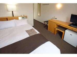 プチダブルルーム(ベッド幅1200mm)※シングルルームに2名セットでご用意します。
