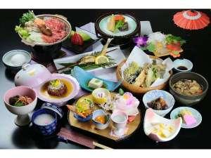 夕食「会席料理」の一例、地の物や山の幸を中心に、季節の恵みを。(季節・料金・プランにより異なります)
