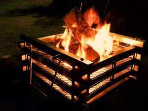 グランピングといえば焚火♪