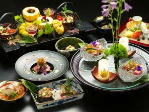 伝統ある豊かな食文化を誇る金澤の美味を、心ゆくまで召し上がれ