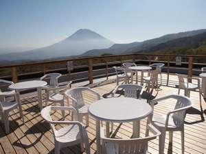 360度ニセコ連峰を楽しめるスペース・ワイス寶亭留おすすめパノラマデッキ