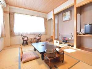 *客室一例/大湯川を望む和風の客室で、ゆったりとおくつろぎください