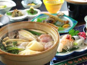 【お食事】米どころ秋田が生んだ自慢の郷土料理『きりたんぽ鍋』