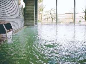 弱アルカリ性の天然温泉。美肌の湯で心も体もリフレッシュ。