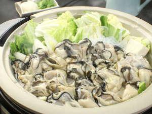 アツアツの鍋で坂越の牡蠣を堪能♪