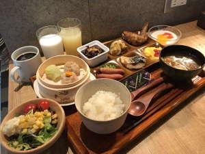 【プレート朝食、和食】