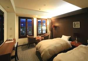洋室ツインルームお部屋からJR日光駅や東武日光駅も眺めることが出来ます。