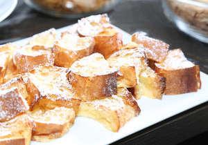 朝食会場:「SALVATORE CUOMO&BAR」 営業時間:6時30分~10時30分(最終入店10時) フレンチトースト