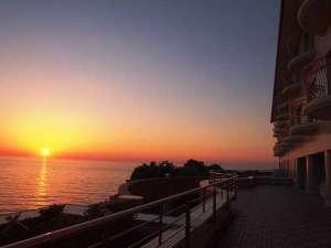 【外観】宿から見える夕日