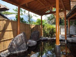 【女性用露天風呂】由布院温泉を厳選100%かけ流しで楽しめる
