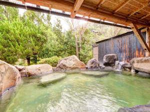 ★*岩造りの露天風呂/日本100名湯!自然の息吹を肌で感じながら、特効温泉の紫尾温泉をご満喫下さい。