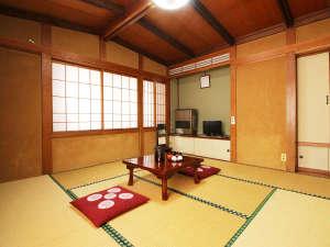【8畳和室】ご夫婦やカップルに人気のお部屋です。