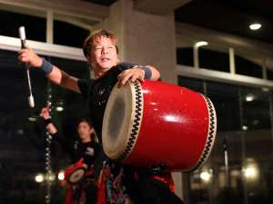 【エイサー舞踊】日替わりのエンターテイメントショー