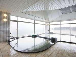 琵琶湖が一望できる6階展望大浴場