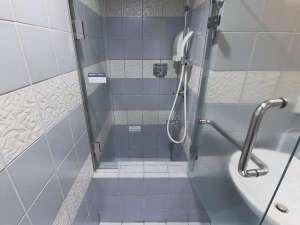 シャワーブース(バスタブはございません)