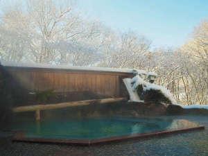 【源泉かけながし】雪見露天風呂 殿方大浴場「森のかなで」
