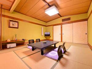 *和室10畳(客室一例)/グループやご家族でのご旅行におすすめ!足を伸ばしてごゆっくりお過ごし下さい。