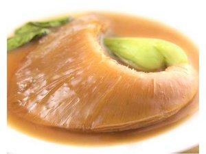 一景閣オリジナル、カツオ出汁スープの絶品フカヒレ姿煮