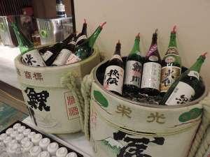 酒どころ山形庄内の10社蔵元から厳選した吟醸酒が飲みくらべできます
