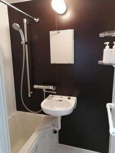 清潔で快適な浴槽付きのバスルーム♪