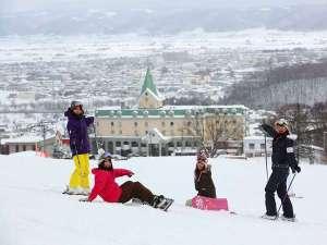 スキーするならナトゥールヴァルトへ!!スキー場が目の前