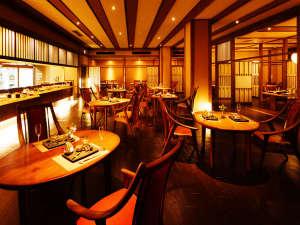 レストラン【月terraceえん】オープンキッチンから出来立てのお料理を。
