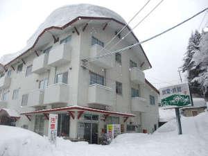 外観(冬)スキーヤー&ボーダーの皆様大歓迎!