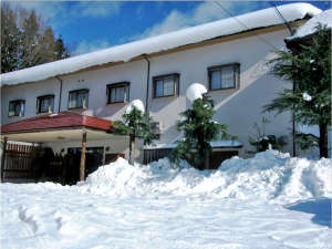 神鍋山荘冬の外観