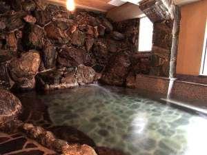 自慢の岩風呂