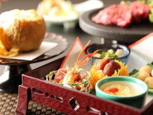 夕食一例 ~前菜~地元の食材を使ったお料理を月替わりでご用意しております。※イメージ