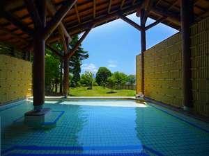 【夏】十和田湖西湖畔唯一の源泉かけ流し露天風呂※内風呂はございません。