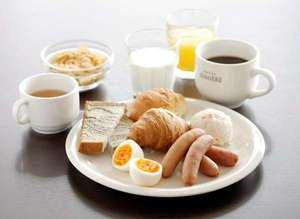 焼きたてのクロワッサンが美味しいと評判の無料朝食♪6:30~10:00