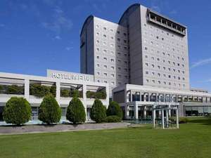≪ホテル外観≫周囲でも一際目を引くランドマーク的なホテル