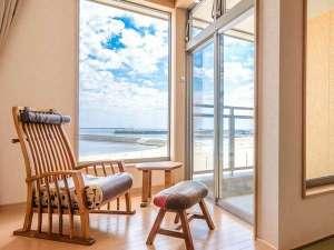 陽のお部屋昼間のイメージ空と海を独り占め