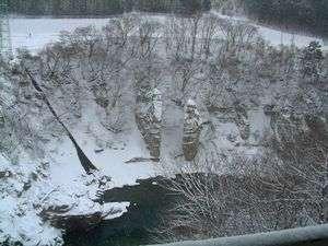 【冬の夫婦岩】12下旬頃~3月上旬頃まで露天風呂から雪見露天をお楽しみいただけます