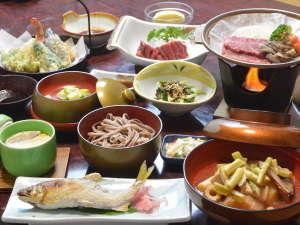 【夕食 一例】郷土料理をおなか一杯食べてみっせ♪ボリューム満点と好評です☆