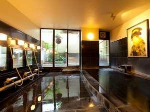 大浴場。浮世絵の壁画を見ながらゆっくり日田温泉を堪能。
