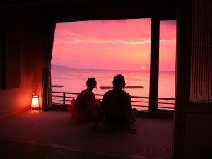 【別館展望風呂付】夕陽に染まりゆく空と海の美しさにつつまれるようなロマンティックなひとときを・・・