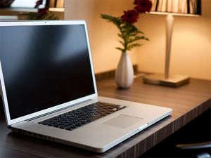 全室無料Wi-Fi対応&ブロードバンド接続可!パソコンをご持参いただければ、インターネットがご利用可能!
