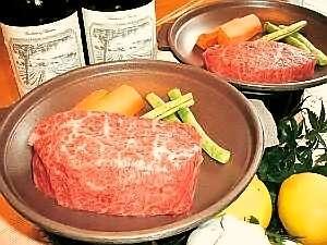 地元福島県産の和牛肩ロースステーキ 冷めても味が変わらないほどジューシー!