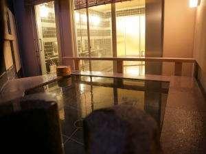小豆(こまめ)露天風呂から内湯