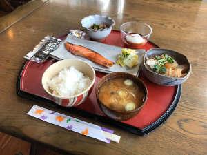 朝食(和定食をご用意いたします。)
