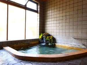 伊香保に沸く「金銀の湯」のうち、無色透明の『白銀の湯』を引いております。