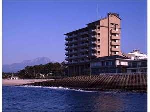 日本海、大山の絶景をお楽しみ下さい。朝日、夕日百選に選ばれました。