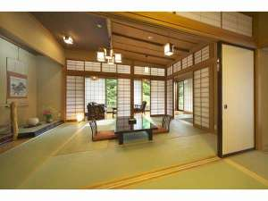 木のぬくもりを感じる客室は格調高い数寄屋造り(本館特別室)