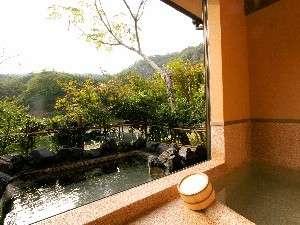 新潟の紅葉スポット近くの温泉宿・紅葉露天のある宿県 四季の郷 喜久屋