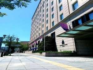 ホテル外観 正面玄関