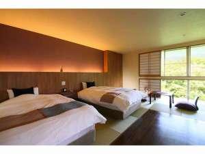 和モダン客室(風呂付)2016年リニューアルオープン・角部屋で横瀬川の渓谷がきれい